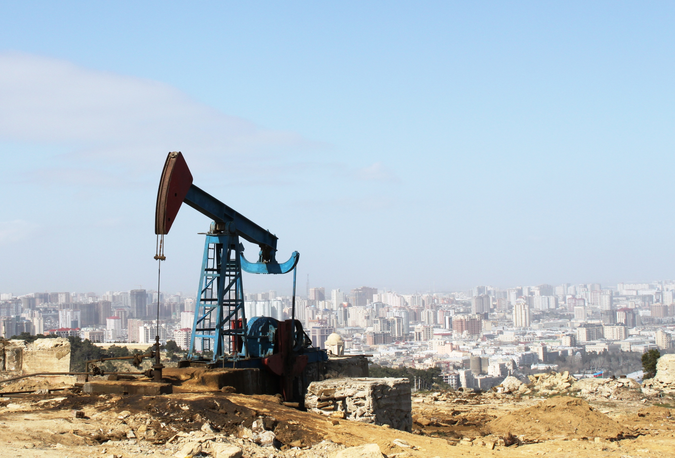 Crude Up For Fifth Day Ahead Of US Oil Inventories